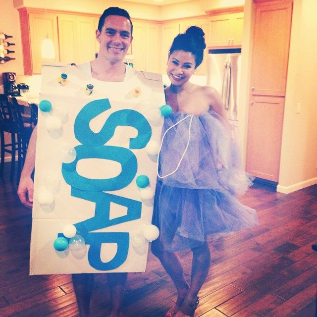 40 hilarious costumes for the funniest couples - Bar Of Soap Halloween Costume