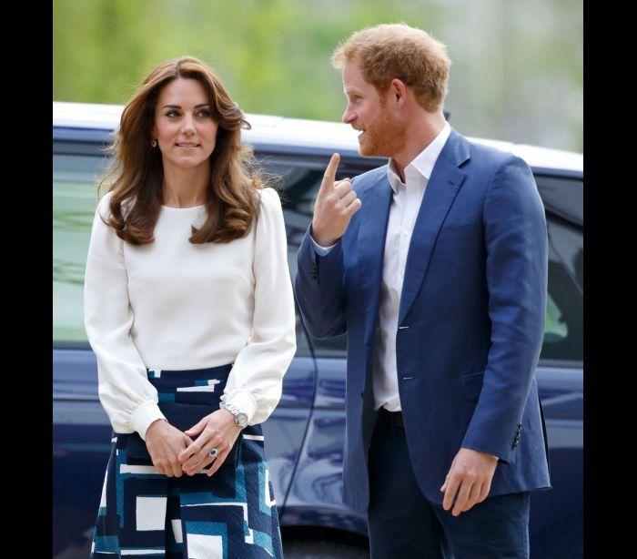 A divertida relação entre Kate Middleton e o príncipe Harry                                                                                                                                                                                 Mais