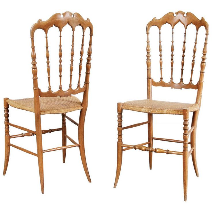 Pair of Chiavari Dining Room Chairs by Fratelli Levaggi