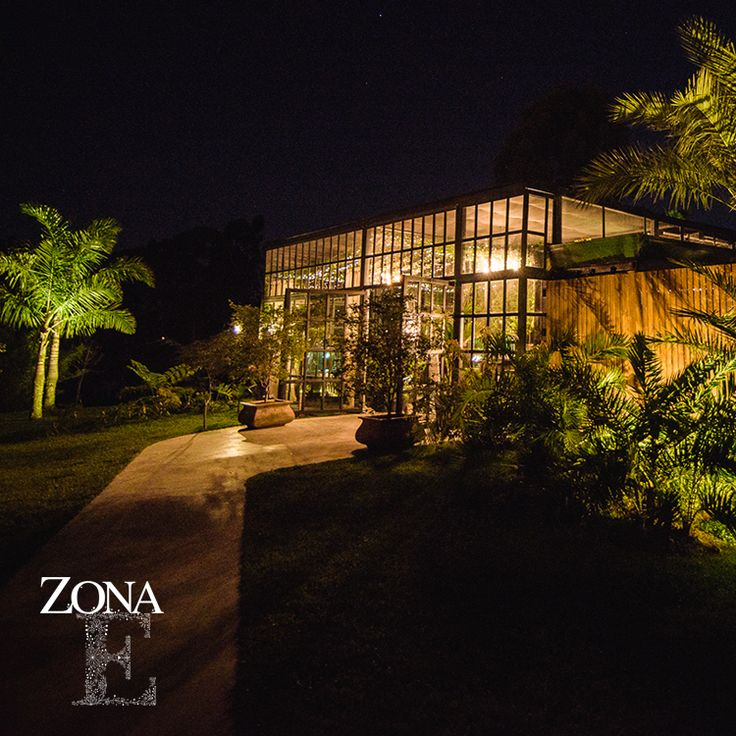 #GreenHouse, romántico, hermoso, único como tu. Foto @ira.photostudio  Contáctanos al 3106158616 / 3206750352 / 3106159806 y reserva desde ya, atendemos todos los días de la semana y fines de semana incluido festivos. www.zonae.com #ZonaE #ZonaELlangrande #bodasmedellin #Eventos