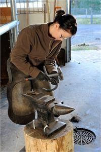 Utbilda dig till hästtränare i Kaustby.