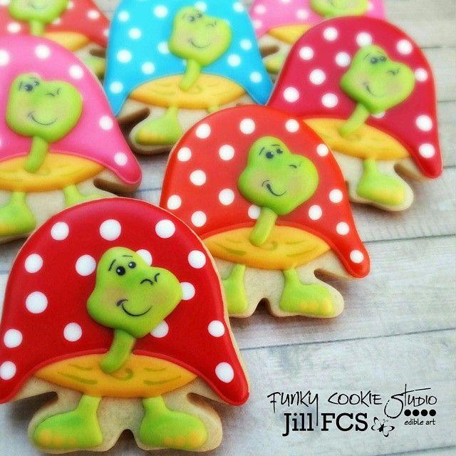 Turtles!  #jillfcs #funkycookiestudio #decoratedcookies #cookieart #turtles