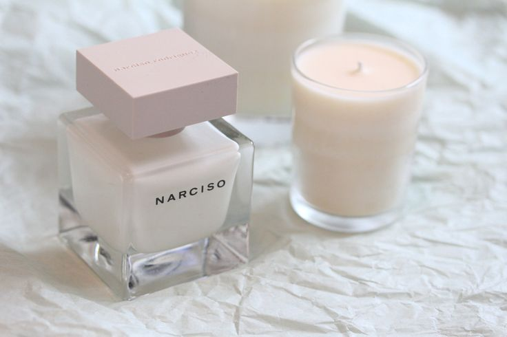 Narciso Rodriguez Profumo Narciso Eau de Parfum. Leggi l'articolo : http://www.biutic.com/magazine/recensioni/narciso-rodriguez-profumo-narciso-sensualita-e-seduzione-al-femminile/