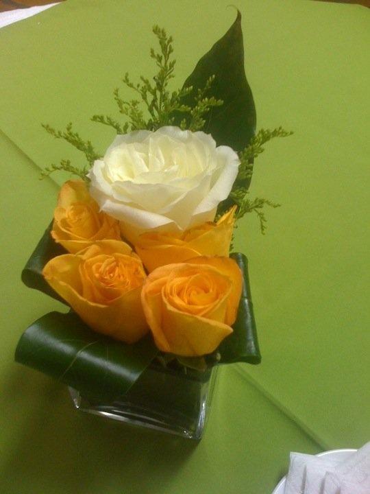 Algo sencillo para la mesa de coctel arreglos - Arreglos de flores artificiales ...