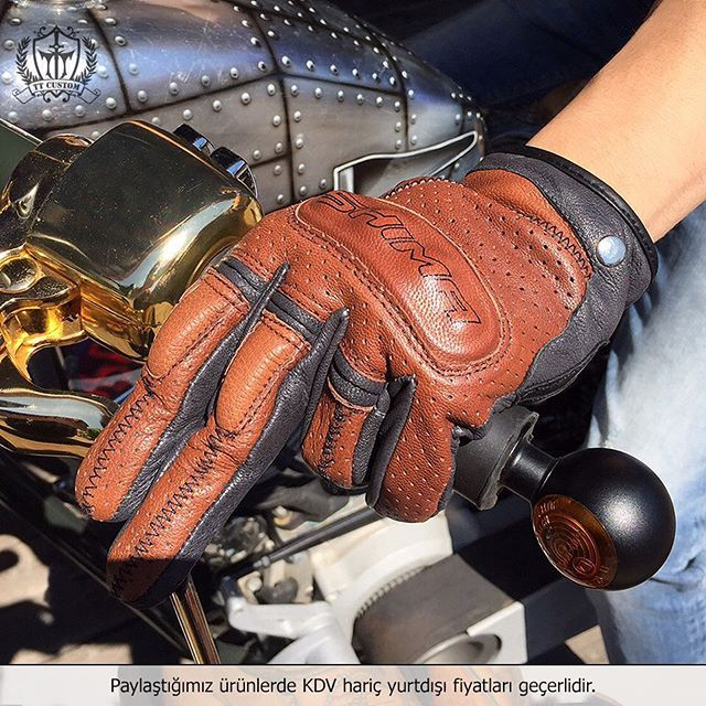 """100% Deri, Korumalı Eldiven  Tüm Bedenleri Mevcuttur 179 TL  ttcustomshop.net (0216) 541 91 90 - (0242) 349 28 30  #glove #leather #vintage #style #design #custom #accessories #elegance #bike #motorcycle #motorbike #drive #instabike #instamoto #instagood #good #instamoto #TagsForLikes #photooftheday #feel #freeway #fun #lifestyle #limitededition #live #life #unique"" Photo taken by @ttcustomshop on Instagram, pinned via the InstaPin iOS App! http://www.instapinapp.com"