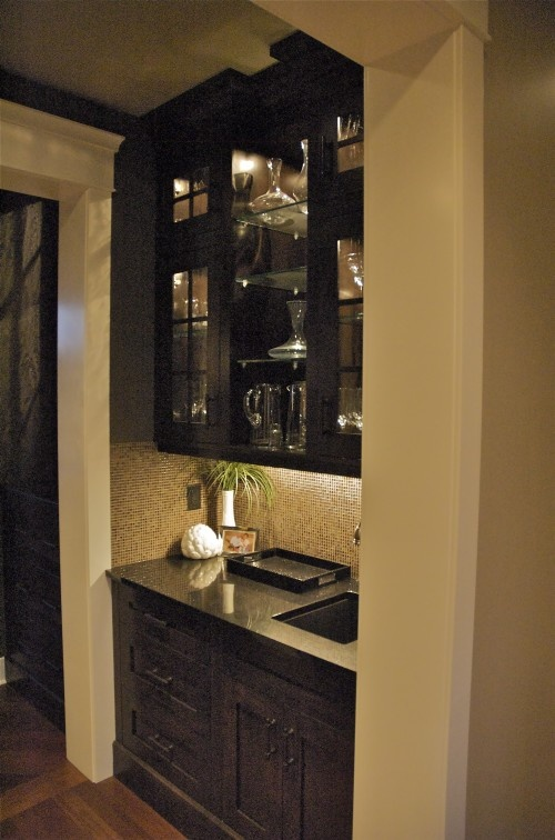 39 best images about wet bars on pinterest liquor for Dining room bar ideas