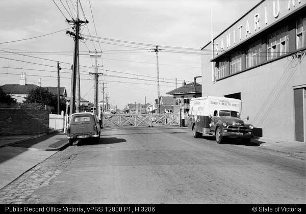 GATES WINDSOR STATION 24 APRIL 67 - Public Record Office Victoria