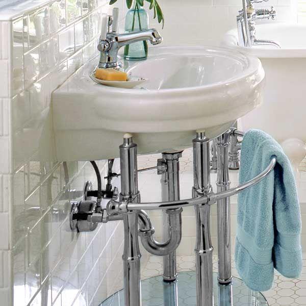 Chrome plumbing in a bathroom design