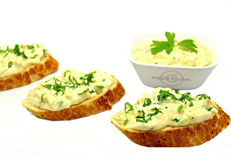 Reteta Salata de oua Adygio Kitchen. Reteta video pas cu pas pentru salata de oua - Adygio Kitchen. Pentru informatii nutritionale si reteta scrisa vizitati Adygio.com