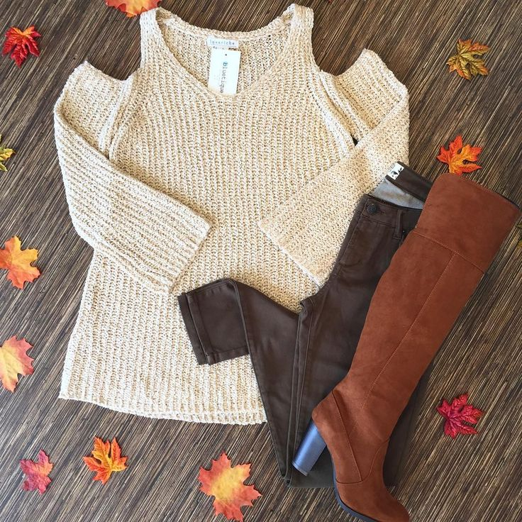 The leaves are changing colors  and the temperature is dropping  which means #sweaterweather is here! Click the link in bio to get this $48 sweater today!! #shopbluetique #lovebluetique #fall