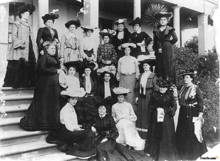 Group of women photographed on the front steps of a building, 1900-1910 contributed by QldPics, taken in 1900