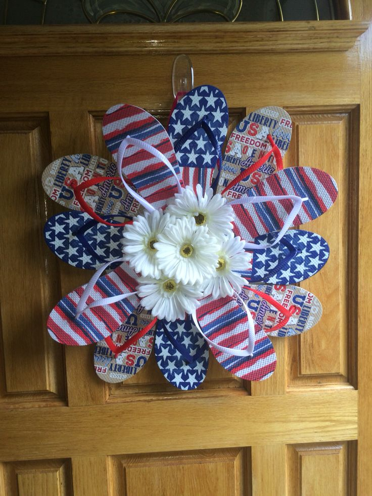686 Best Images About Wreaths And Bows On Pinterest Deco Mesh Wreaths Wreath Making And