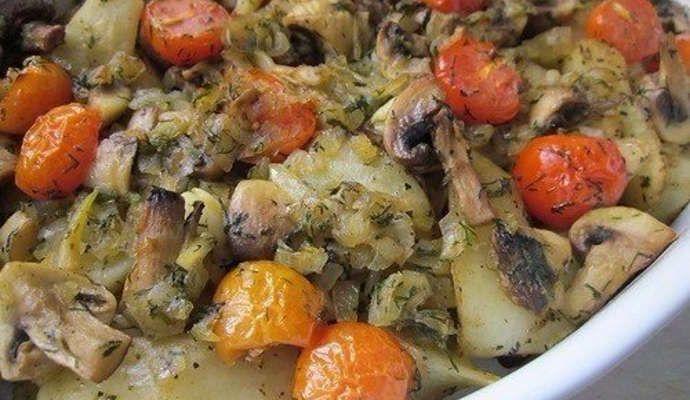 Рецепт картофеля запеченного с грибами в духовке