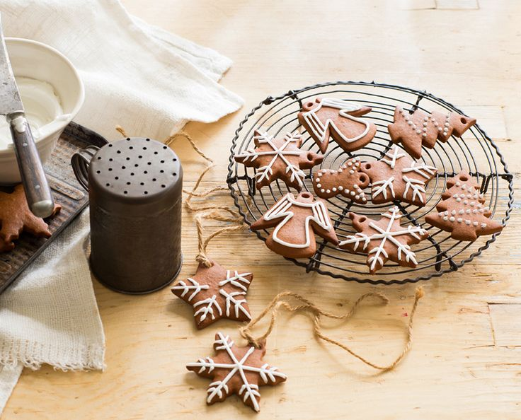 Versatile Honeybread (lebkuchen) - make to give, or use as delish decorations.