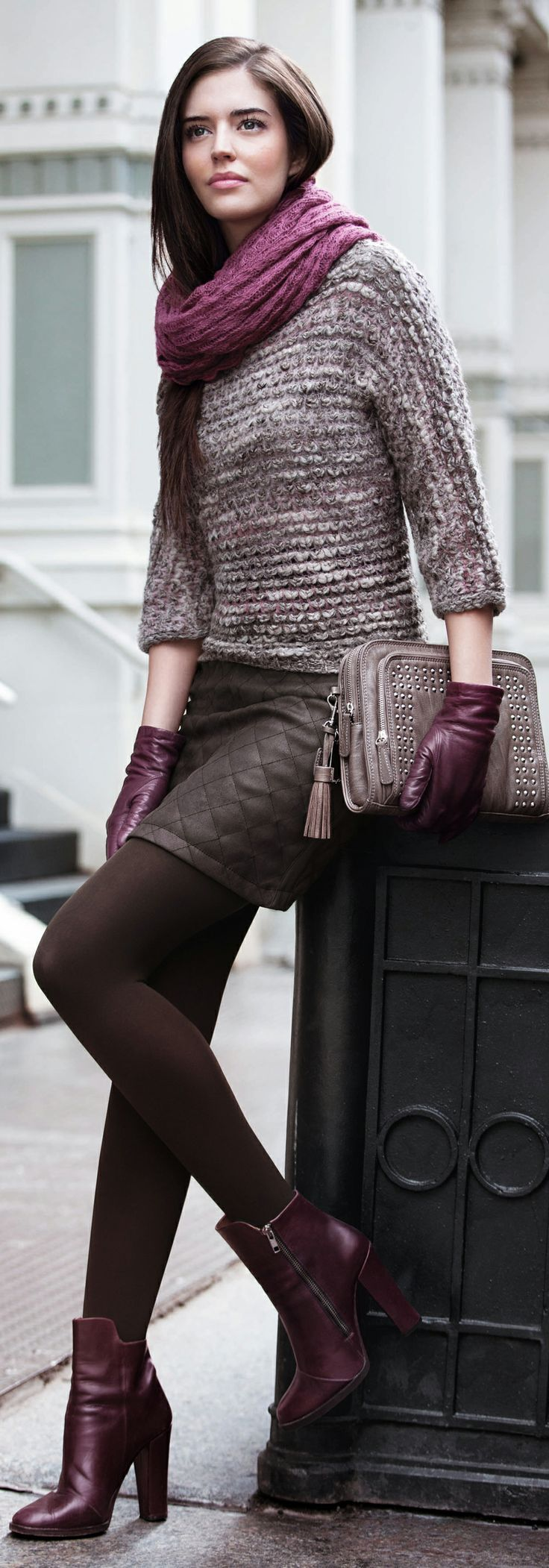 Winter outfit: brown-melange sweater, quilted brown skirt, burgundy scarf & booties, taupe studded clutch
