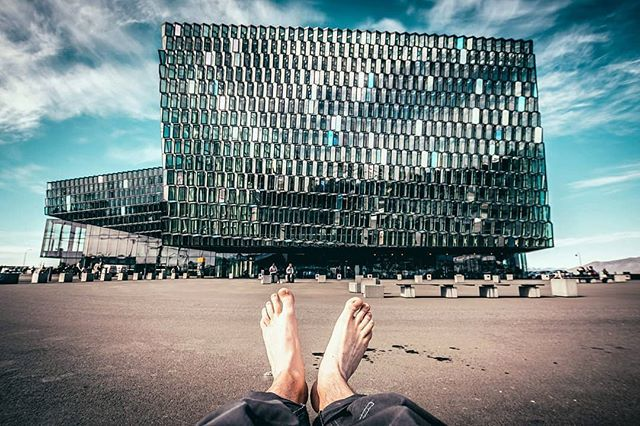Léto vystrkuje pařáty :) ... . . . #iceland #icelandair #island #travelingram #traveling #explore #view #sunny #sunnydays #sunnyday #instagood #instaday #love #nature #lovenature #city #opera #legs #glasses #pure  #from #ostrava #ostravacity #by #janjasiok