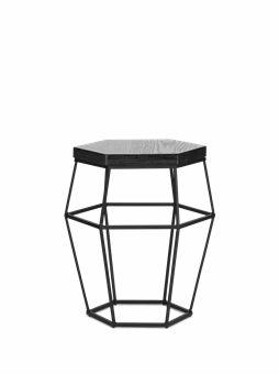 Designer Henrik Ilfeldt legede med former og pludselig var den der! Et bord eller en taburet? Hex giver dig muligheden for at bestemme!
