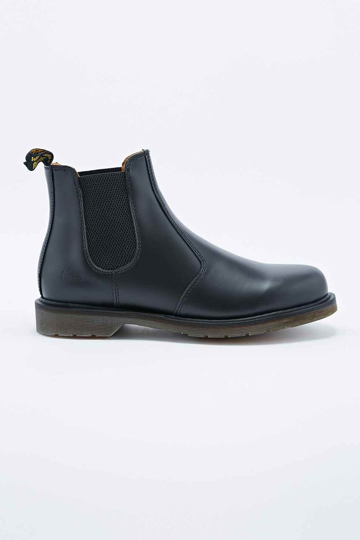 Dr. Martens Originals 2976 Chelsea Boots in Black