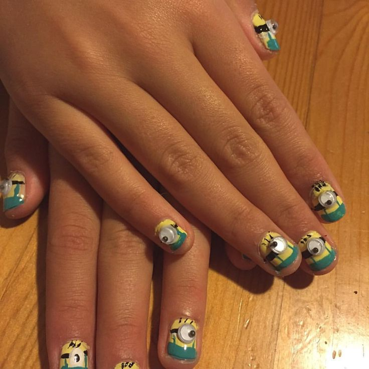 Minions naglar. Despicable nails
