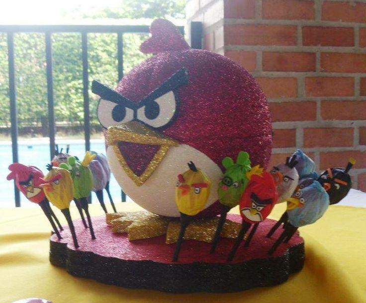 Facebook: GLOBOS Y MANUALIDADES (la del payasito fondo naranja. *Bombonera y Bombones decorados (Angry Birds)*