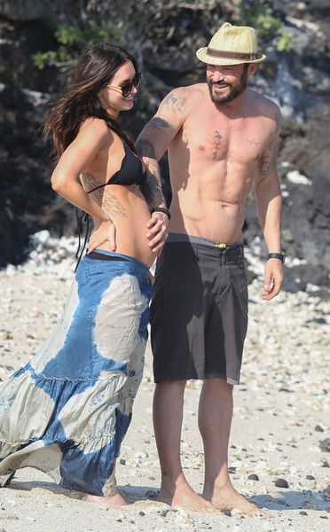 Megan Fox disfruta de su embarazo en compañía de su esposo