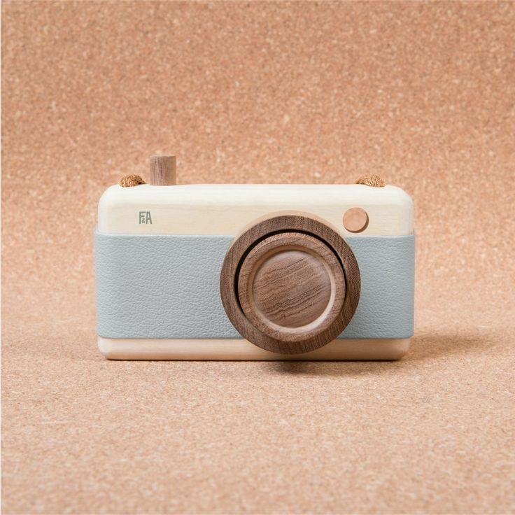 "Spielzeug - Kamera ""Breeze"" aus Holz von Fanny & Alexander"