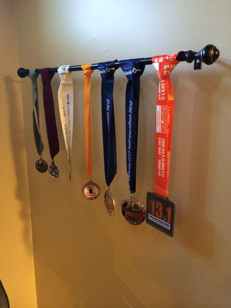 Mejores 29 im genes de colgar medallas en pinterest for Ideas para colgar medallas