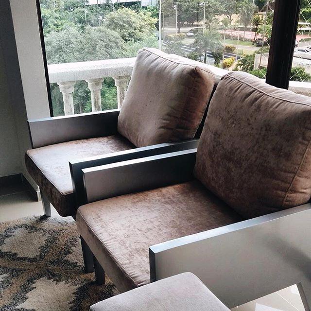Velvet o Terciopelo la textura de esta temporada. . . . #homedesign #interiorandhome #interior4all #interiordecor #interiors #decoration #interiordecoration #decor #luxuryhomes #scandinaviandesign #bedroom #dreamhome #interior123 #homestyling #whiteinterior #bedroomdesign #furnituredesign #mobilya #love #TagsForLikes #TagsForLikesApp #TFLers #tweegram #photooftheday #20likes #amazing #smile #follow4follow #like4like #look - posted by WIM | Furniture https://www.instagram.com/wimfurniture…