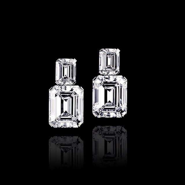 Outstanding pair of emerald cut diamonds E and F color 9 ct each…
