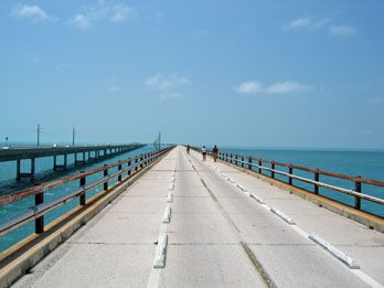 Heading south? Here's a great Camping or RV Trip along the Florida Keys all planned out for you... Hike or bike the Seven Bridge surrounded by glistening aqua blue waters!