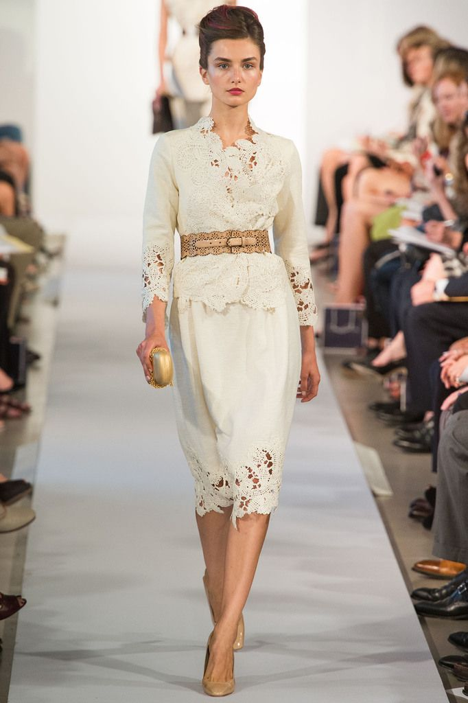 looks like a kebaya top over an a-line skirt and a nude obi belt. Genious! Oscar de la Renta Spring 2013 Ready-to-Wear Collection Slideshow on Style.com