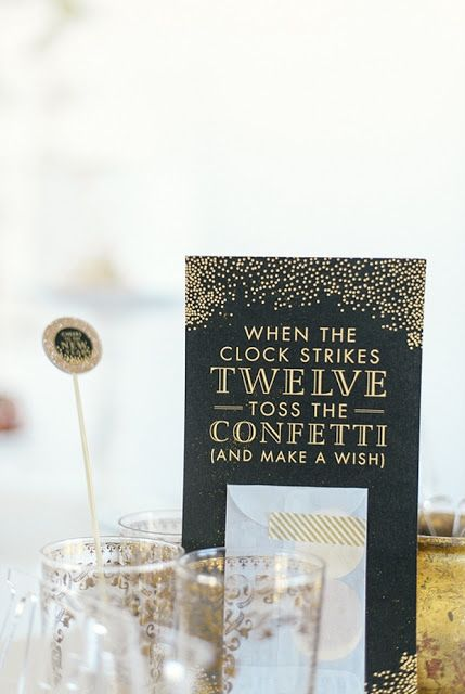 Happy New Year! New Year's Party Ideas:: Decorations and invitations for New Years Eve / black event ideas