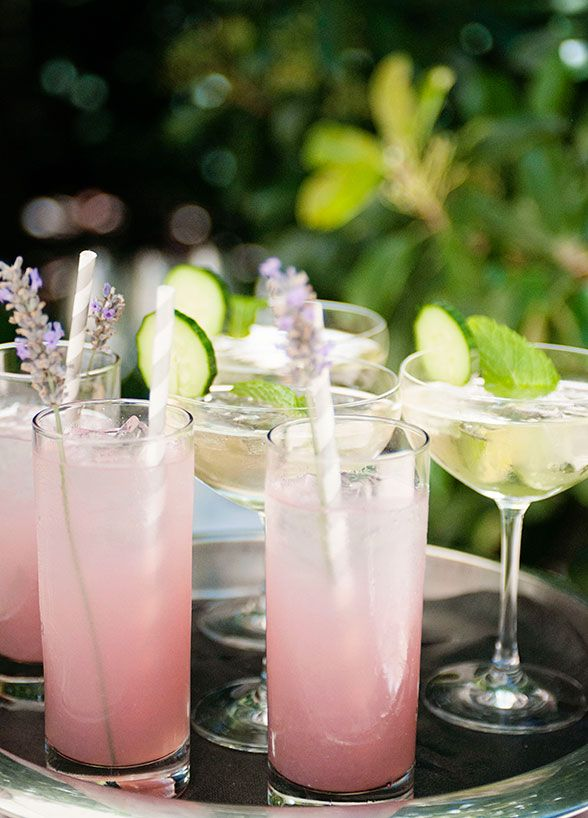 Those drinks are so refreshing for a summer outdoor party.