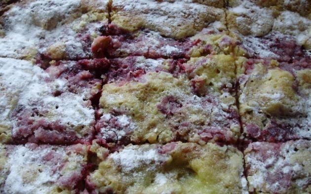 Rebarborový koláč s malinami » Pečení je radost