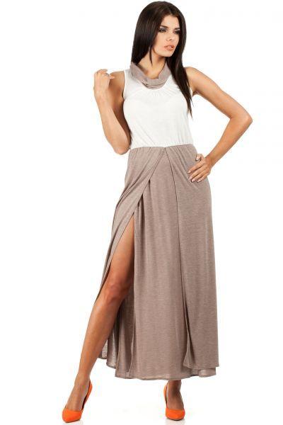 Beżowa biała sukienka o długości maxi