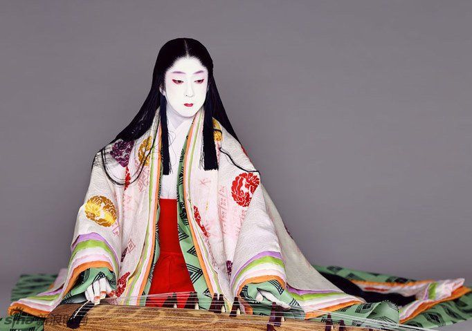 (Correction) Kabuki actor Bando Tamasaburo portraying a woman dressed in junihitoe