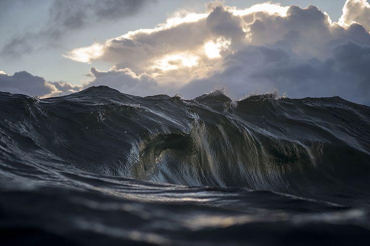 Ce photographe prend les meilleures photographies de vagues au monde