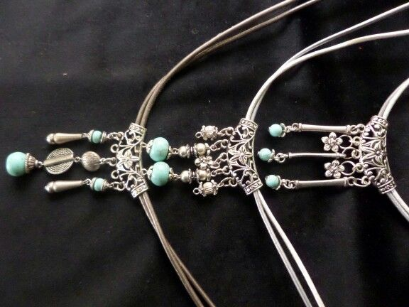 Necklaces in leather and turquoise