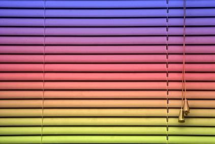 How to Paint Vinyl Blinds thumbnail
