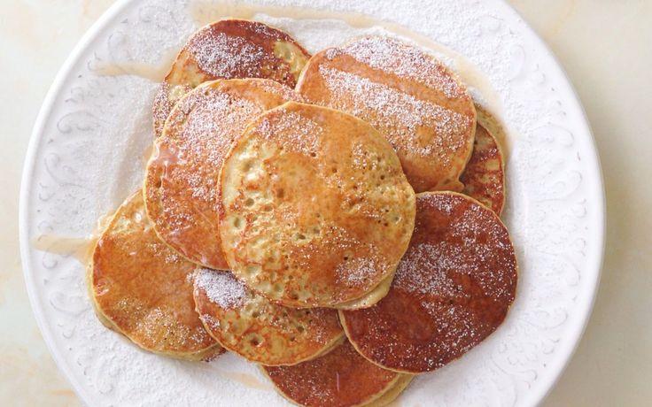 INGREDIENTES 1 manzana golden (con piel) 1 huevo 2 claras 50gr de harina de avena integral un poco de agua (3-4 cdas) canela al gusto