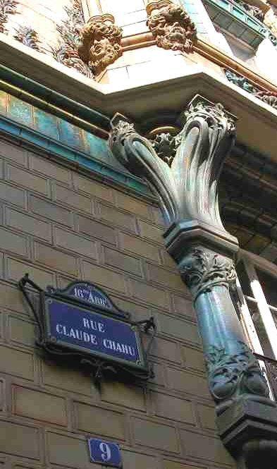 La rue Claude-Chahu, en Art nouveau...  (Paris 16ème)