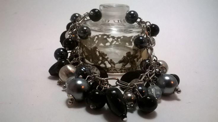 Monochrome heart bracelet - black, silver and white beaded charm bracelet - by NJscollection on Etsy