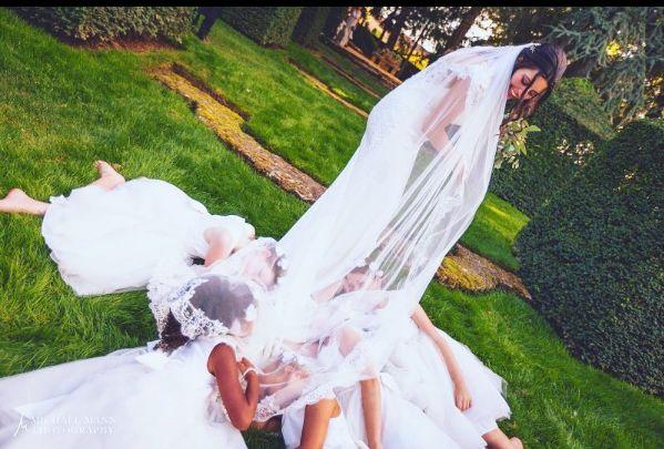 Mariage de Sophie & Thomas - 2016 -   . . #cocktail #wedding #mariage #eyrignac #catering #traiteur #traiteurmariage #vindhonneur #enfantdhonneur #castellumtraiteur #dordogne #perigord #fleur #instalove #justmarried #bride #mariée #jardin