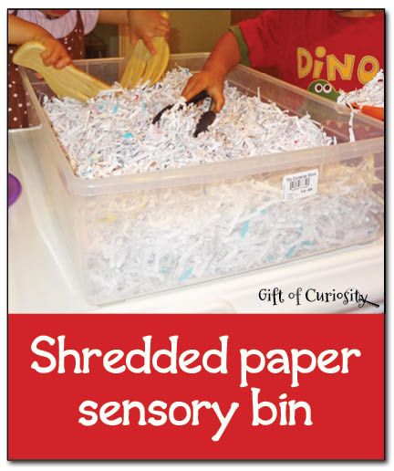 Shredded paper sensory bin - simple, inexpensive, and fun sensory play || Gift of Curiosity