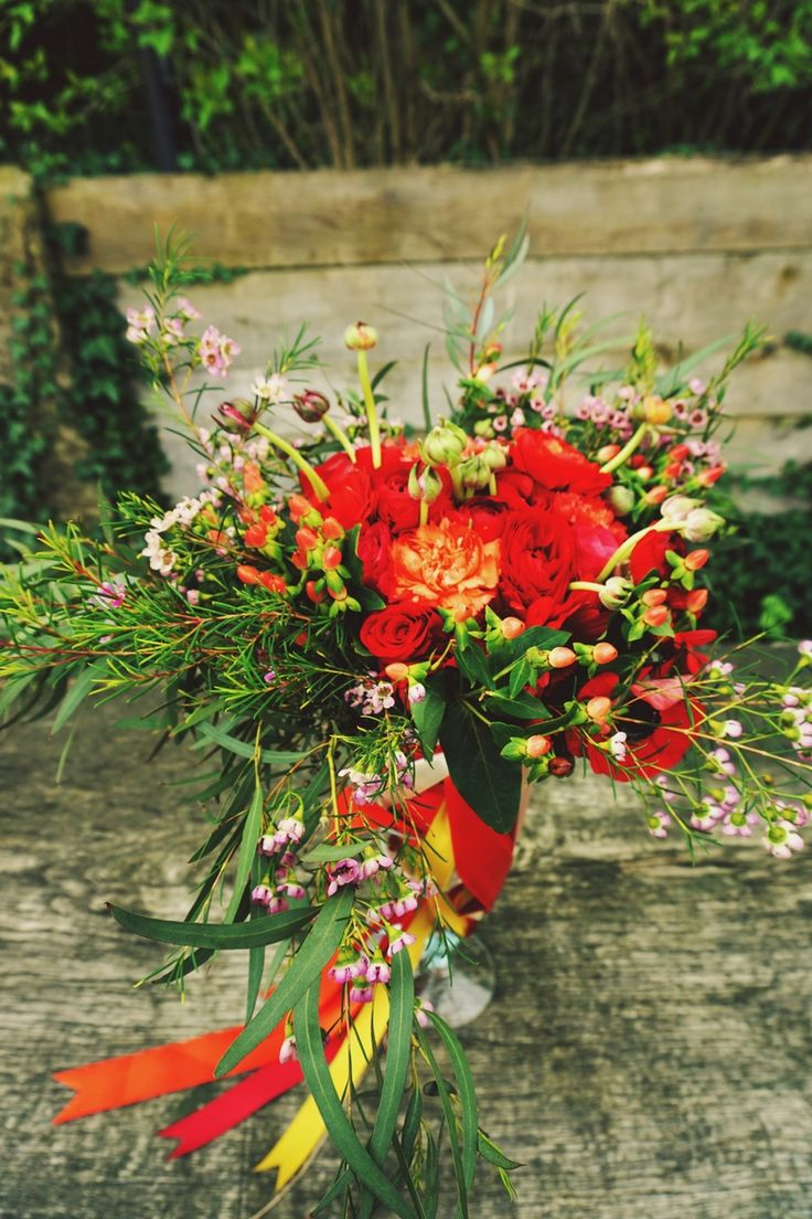 Bukiet z kolorem przewodnim #pantone #fiesta #red #bouquet #flowers #wedding #florist