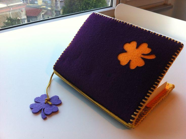 keçe kitap kılıfı/ felt book case
