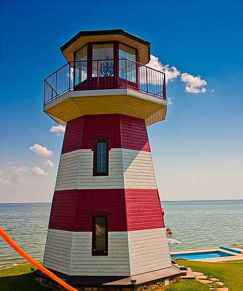 e0a858d6bbc4274d807c326a10657618--sea-captain-small-houses Lighthouse Beach House Floor Plans on smalll redwood, okaloosa island, upside down, narrow lot, one story, two bedroom,
