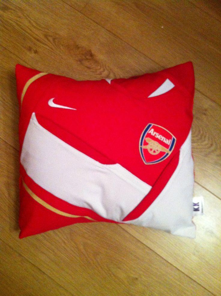 Make a keepsake Kushion from your old football shirts x