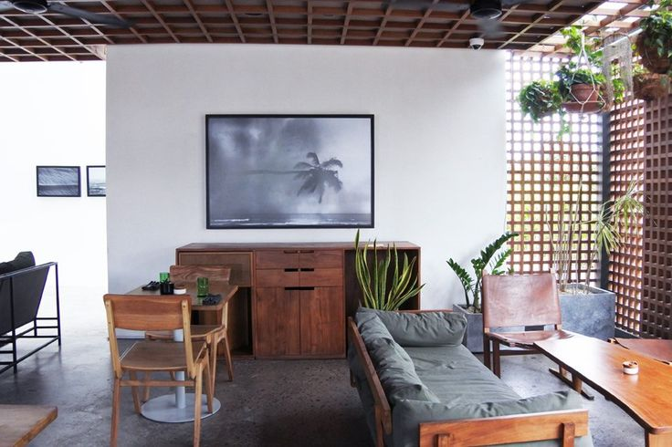 The Slow Hotel in Canggu/Bali on withatouchofseasalt.com