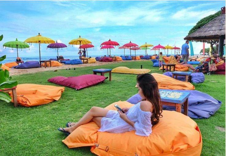 Should you need a relaxing beach holiday, now you know where to go. Photo by: @risha.selvia #ayodyabeachbar #bali #mengiatbeach #nusadua